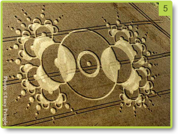 Crop circle representing an antenna - Chibolton - August 2000
